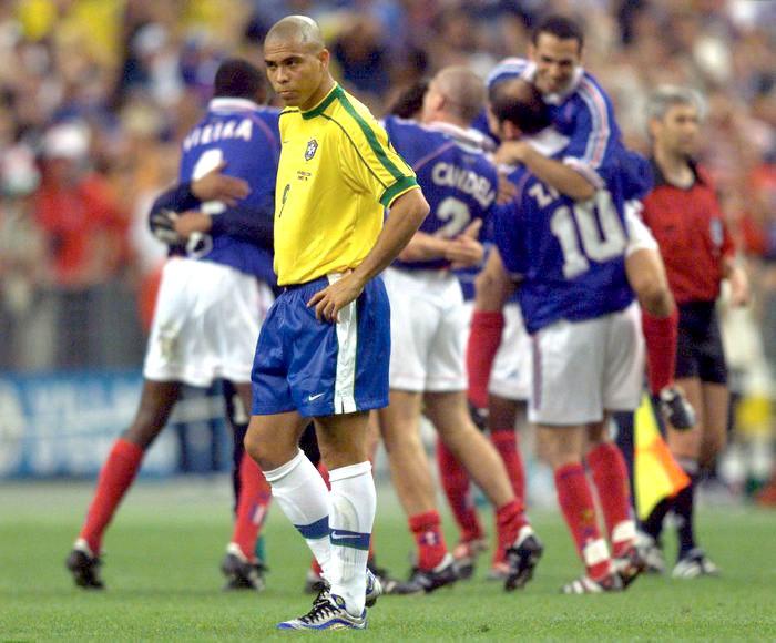 Роналдо после поражения в финале чемпионата мира-1998