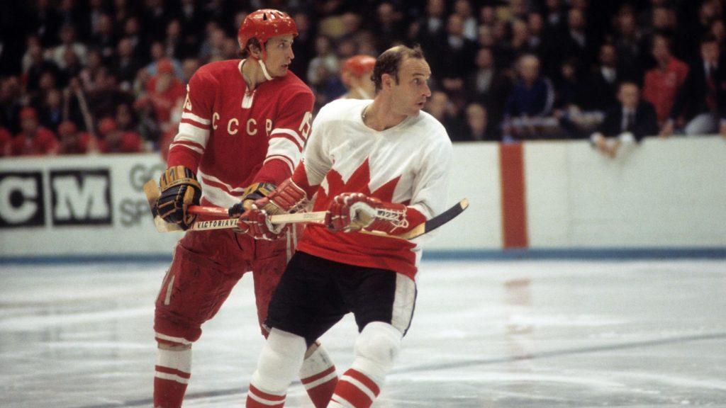 Александр Якушев в составе сборной СССР в Суперсерии-1972 против сборной Канады