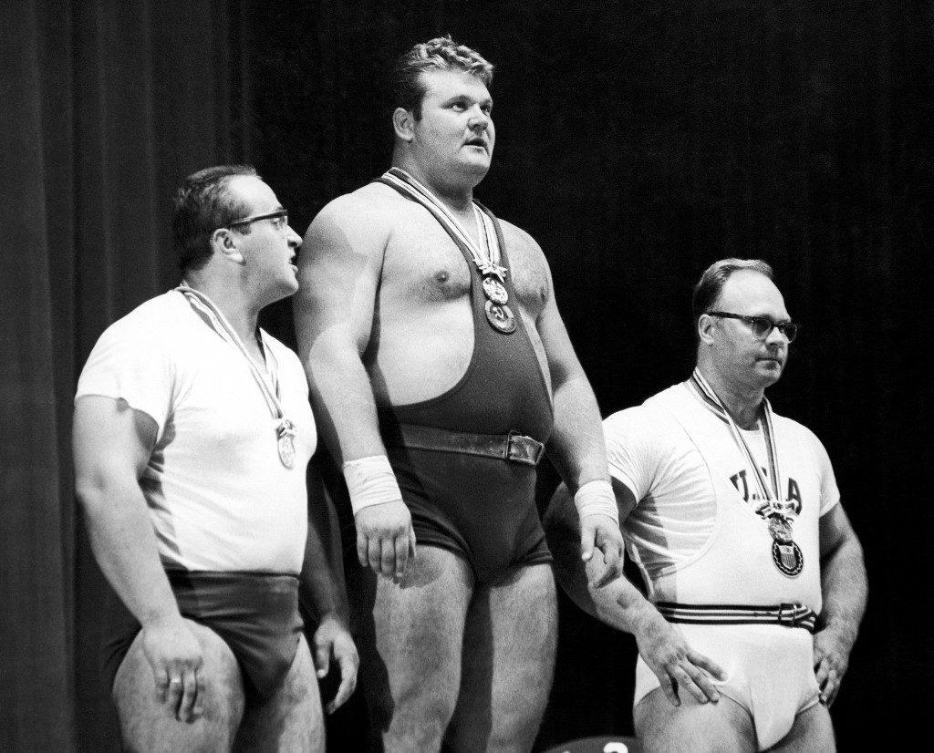 Юрий Власов - серебряный призер Олимпийских игр 1964 года