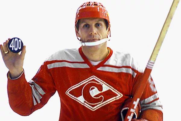 Вячеслав Старшинов - есть 400 голов в чемпионатах СССР