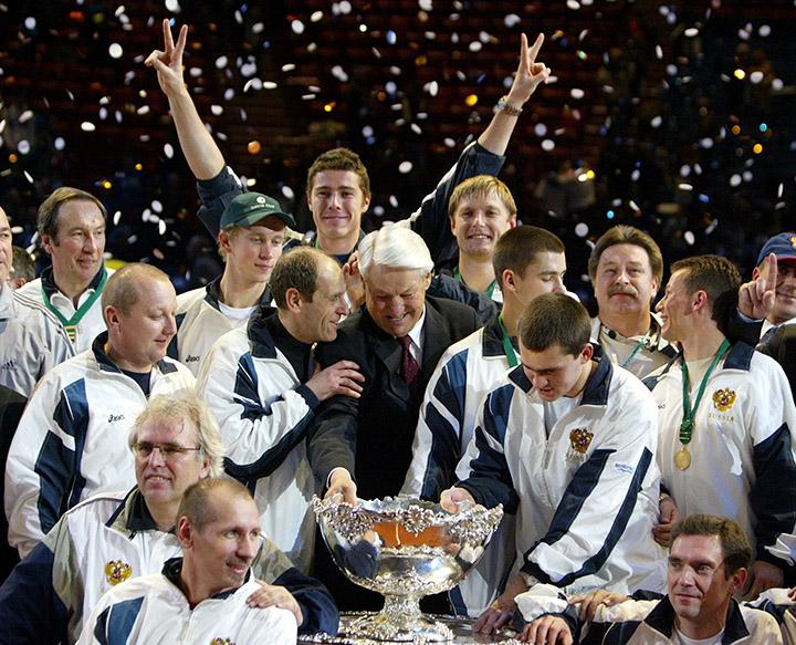 Евгений Кафельников - победитель Кубка Дэвиса-2002 в составе сборной России
