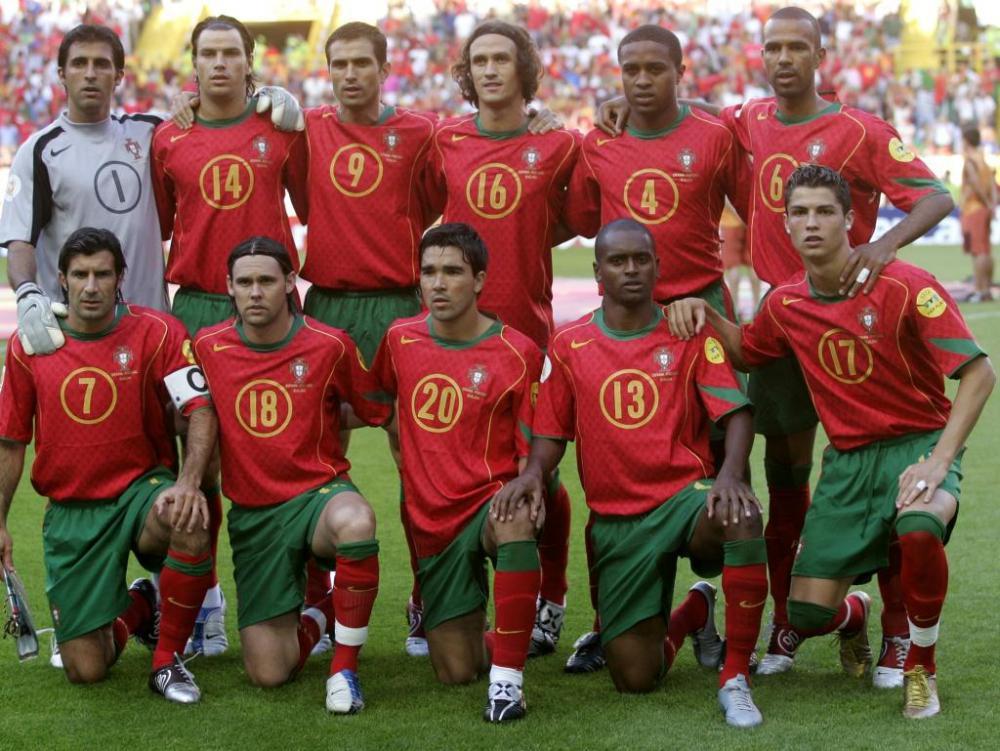 Луиш Фигу - капитан сборной Португалии на чемпионате Европы 2004 года