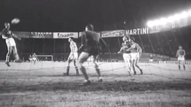 Виктор Понедельник забивает «золотой гол» в финале Кубка Европы-1960